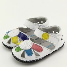 FREYCOO - Baby girls first steps soft leather shoes | White with big flower