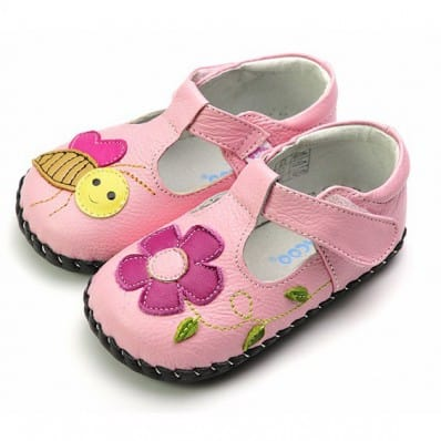 http://cdn2.chausson-de-bebe.com/4371-thickbox_default/freycoo-baby-girls-first-steps-soft-leather-shoes-pink-shoes-bee.jpg