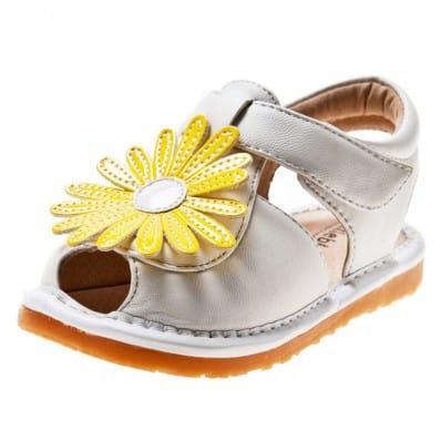 Little Blue Lamb - Chaussures à sifflet | Sandales blanche marguerite jaune