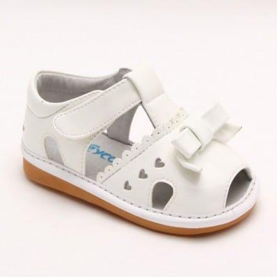 FREYCOO - Zapatos de cuero chirriantes - squeaky shoes niñas   Sandalias blancas 3 pequeños corazones