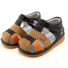 FREYCOO - Zapatos de cuero chirriantes - squeaky shoes niños | Sandalias marrones banda anaranjada