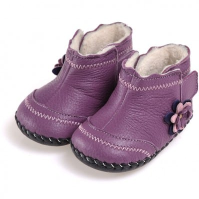 http://cdn3.chausson-de-bebe.com/5445-thickbox_default/caroch-baby-girls-first-steps-soft-leather-shoes-purple-filled-bootees-with-purple-flower.jpg