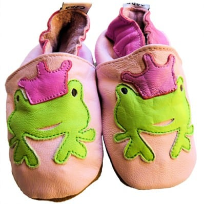 http://cdn2.chausson-de-bebe.com/570-thickbox_default/soft-leather-baby-shoes-girls-frog-pink.jpg