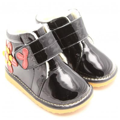 http://cdn3.chausson-de-bebe.com/5979-thickbox_default/freycoo-squeaky-leather-toddler-girls-shoes-black-winter-shoes-red-flower.jpg
