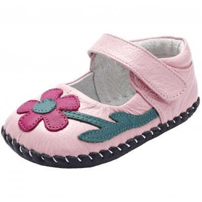 http://cdn1.chausson-de-bebe.com/6921-thickbox_default/yxy-baby-girls-first-steps-soft-leather-shoes-light-pink-yellow-flower.jpg