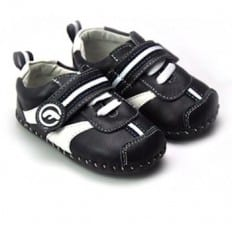 FREYCOO - Baby boys first steps soft leather shoes | Black and white sneakers